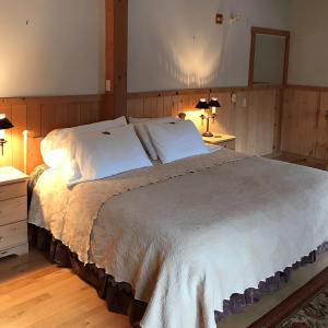 Pine Hillls Room